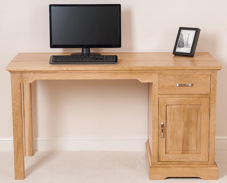 aspen solid oak small computer desk the aspen solid oak computer desk