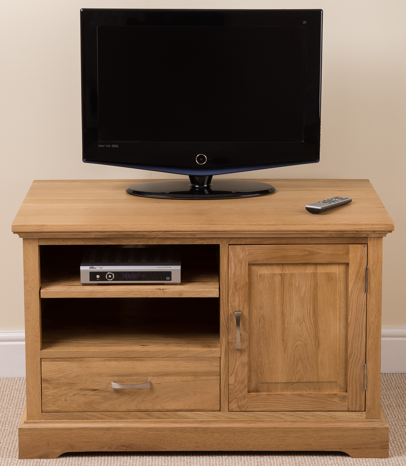 Aspen 100 solid oak small tv television cabinet stand for Petite table tv